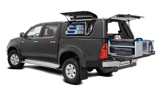 ma geschneidert toyota hilux mit roadranger equipment. Black Bedroom Furniture Sets. Home Design Ideas