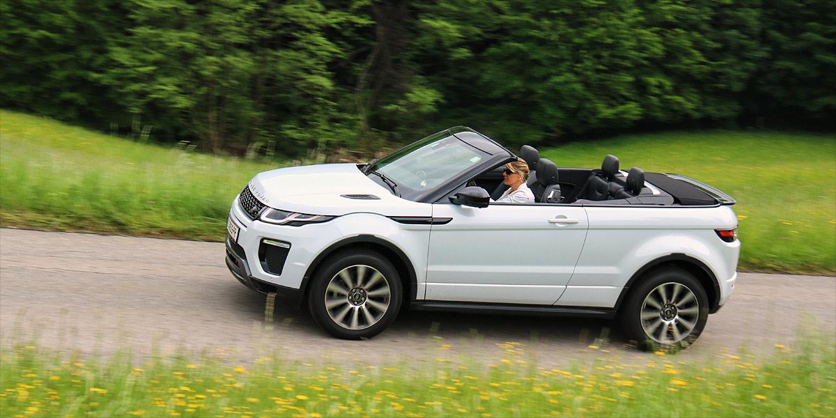 blick in den himmel unterwegs im range rover evoque cabrio. Black Bedroom Furniture Sets. Home Design Ideas