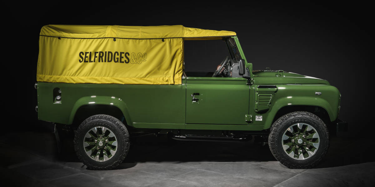Land Rover Defender Works V8 bei Selfridges